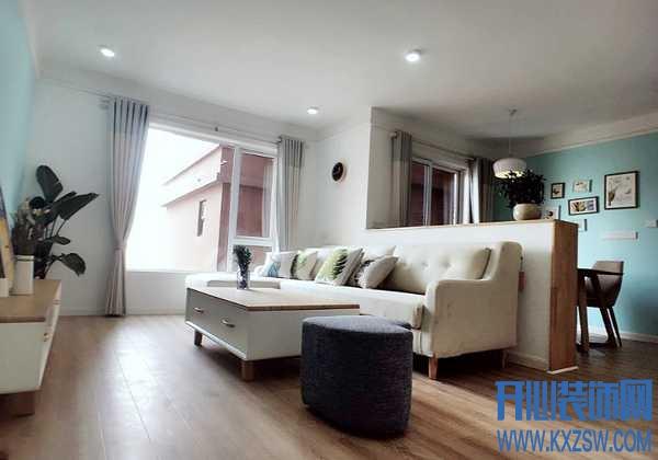 浅色家具与地板窗帘的搭配,让浅色的悠然荡漾在心间
