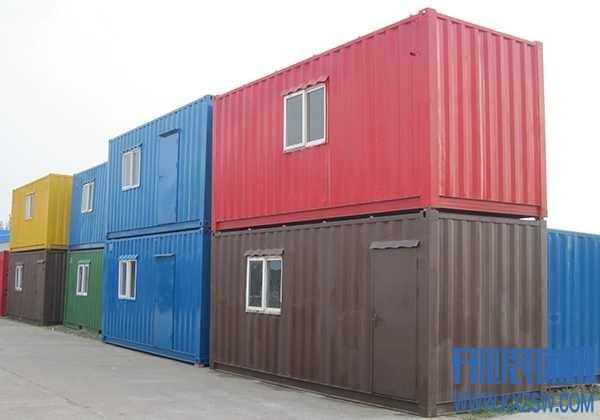 在设计师的头脑风暴下,集装箱也成为了一个惊艳众人的家