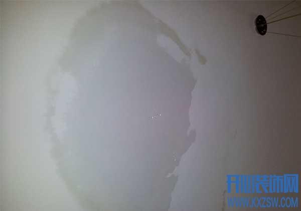 揭秘!天花板渗水背后隐藏着什么秘密?