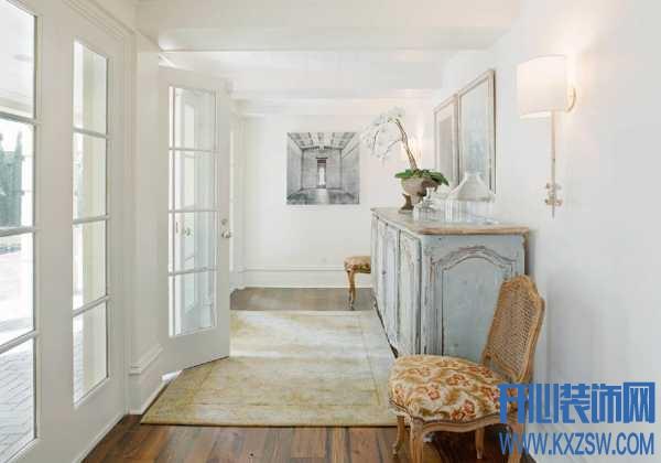 白墙脏了怎么办,用了这几招,墙壁跟漂白了一样呢