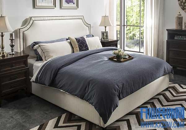 家里买了布艺床,掌握清洗方式特重要