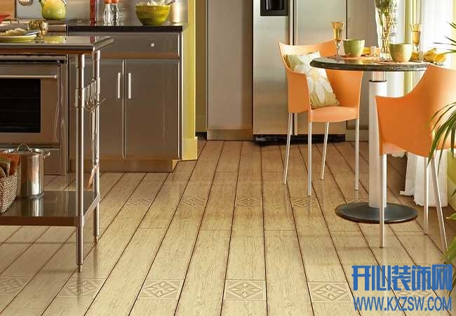 复合地板保养要注意哪些,复合地板一般用什么保养的?
