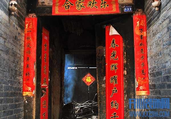 过年贴春联有哪些讲究?福字应该怎么贴?春节大门装饰需要注意些什么?