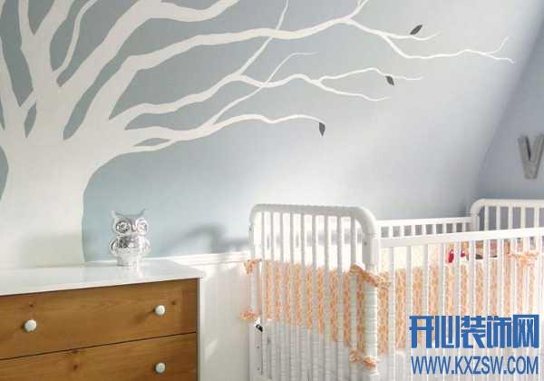 家里的白墙这样改造,抬头就能看见彼此,温暖的家就该长这样