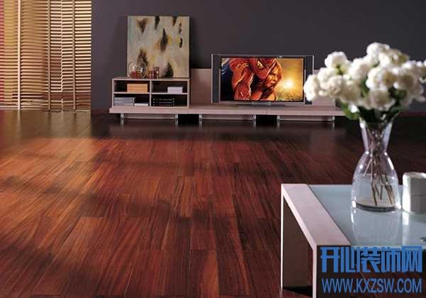 地板清洁剂有用吗?适合擦纯实木地板吗?会不会损坏地面