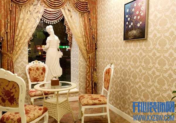 时髦的家庭,天花板都贴上了墙纸啦,天花板贴墙纸需要注意什么