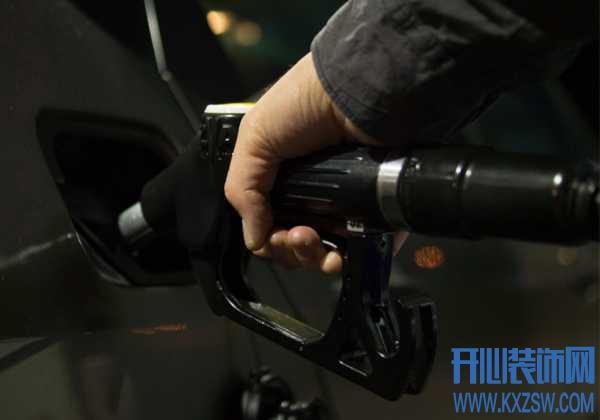 车子彻底没油了怎么办?有哪些途径能够彻底解决,加油站有送油服务吗