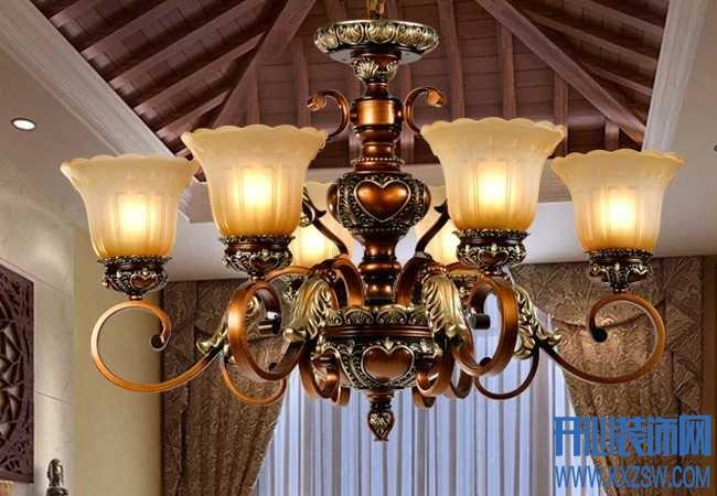 客厅吊灯怎么安装的,家用吊灯安装的步骤和方法是怎么样的?