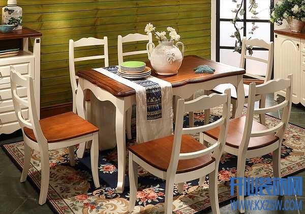 不同风格的卡伊莲家具餐桌价格贵吗