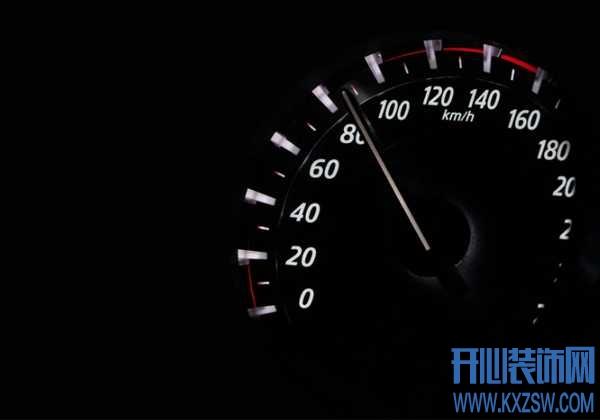 汽车开到彻底没油是一种怎样的体验?汽车在半道没油了怎么办,有什么解决的渠道