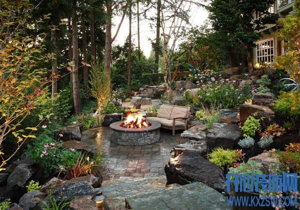 都市户外花园设计赏析,让现代入户花园的装修唤起童年的院子