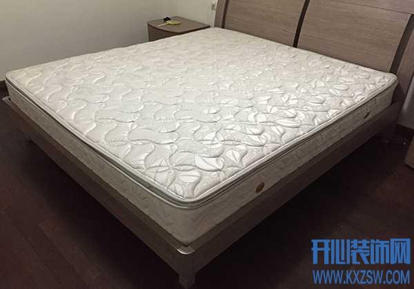 软绵绵的床垫睡得腰疼,怎样让软床变得硬一点呢?