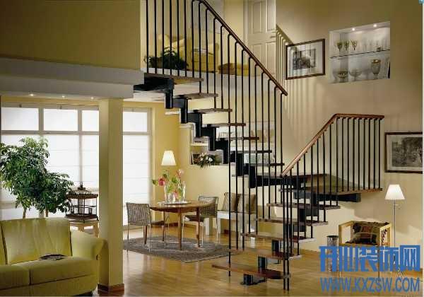 家里的楼梯装修怎么测梯段净高最准确?复式房子楼梯踏步如何确定尺寸