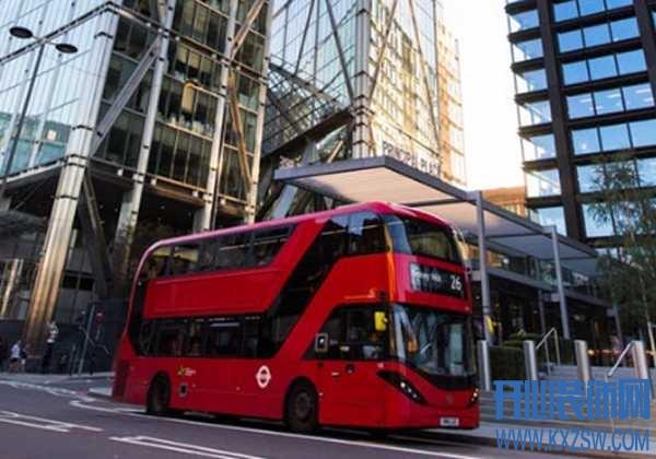 开大巴车时需要注意什么,如何当一名公交车司机,哪段时间不能开大巴