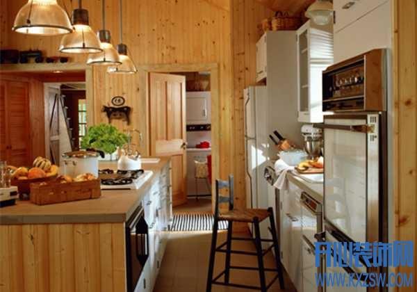 厨房门对着客厅好吗?厨房门对着客厅阳台门如何呢