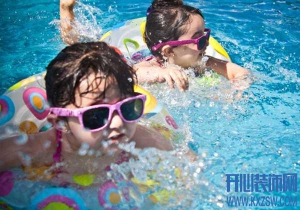 不同年龄段应该如何学游泳,小孩子在游泳过程中需要注意哪些问题?