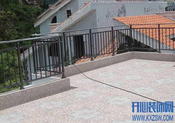 露天阳台护栏设计多高才安全?复式阳台的尺寸标准